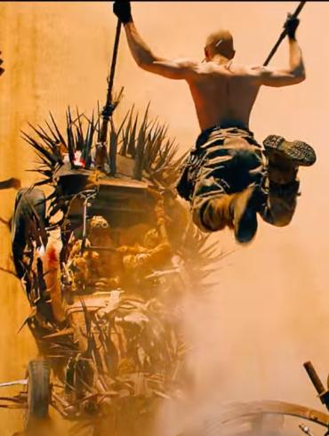 Scena z filmu Mad Max: na drodze gniewu